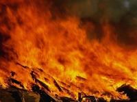Крупный пожар произошел в Вологодской области, 3 человека погибли в огне