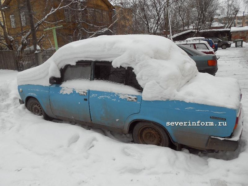 Уборка и вывоз снега с кровли