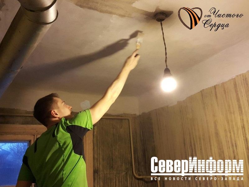 Компания «ТИС» продолжает ремонт в квартире ветерана в рамках проекта «От чистого сердца»