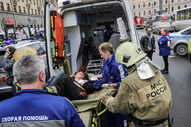 Президент Киргизии резко осудил бесчеловечный теракт впетербургском метро