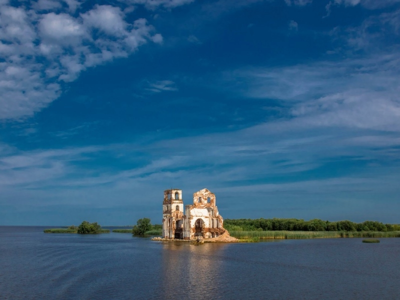 Озеро Яровое вошло в 10-ку известных мест отдыха среди озер РФ