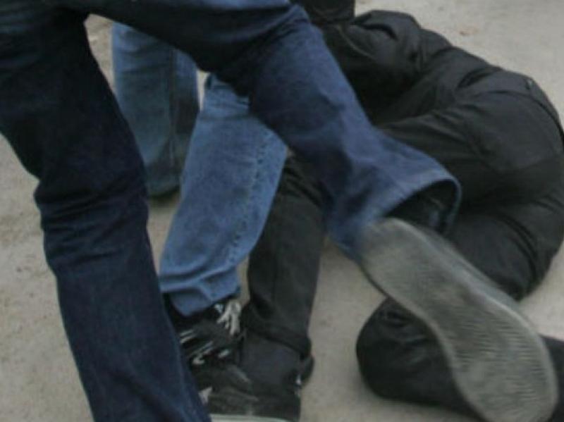 Банду череповчан осудили за свирепое нападение напрохожего