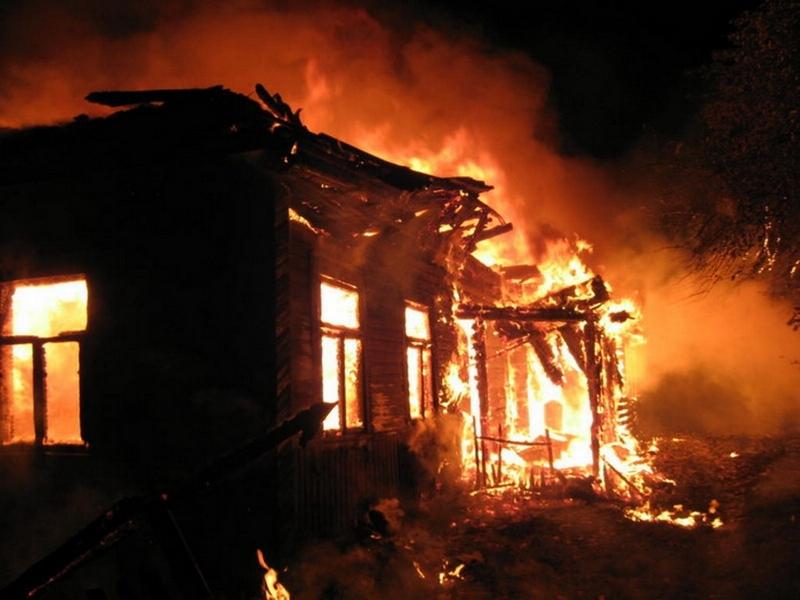 Вологжанка иеечетырехлетний ребенок погибли напожаре