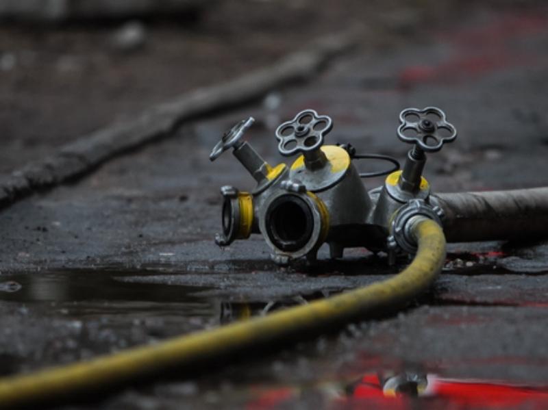 НаПриморском кольце «Фольксваген» попал вДТП и зажегся — владельцы автомобилей