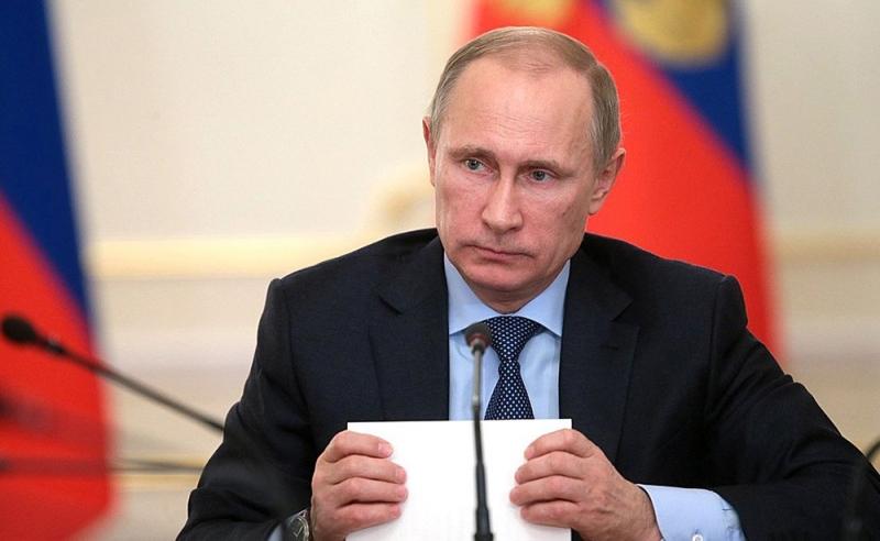Президент РФ поручил повысить ответственность губернаторов всфере защиты прав дольщиков