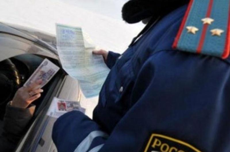ВБелозерске инспекторы ГИБДД отказались отвзятки