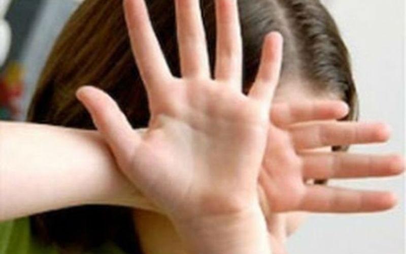 Два мужика изнасиловали 14-летнюю девочку в Вологодской области