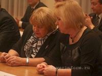 33 избранных депутата вологодского областного Заксобрания получили сегодня свои удостоверения