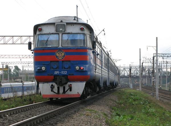 Пассажирский поезд из Адлера прибудет в Кострому в 4 часа утра.  Поезд задержится примерно на десять часов.
