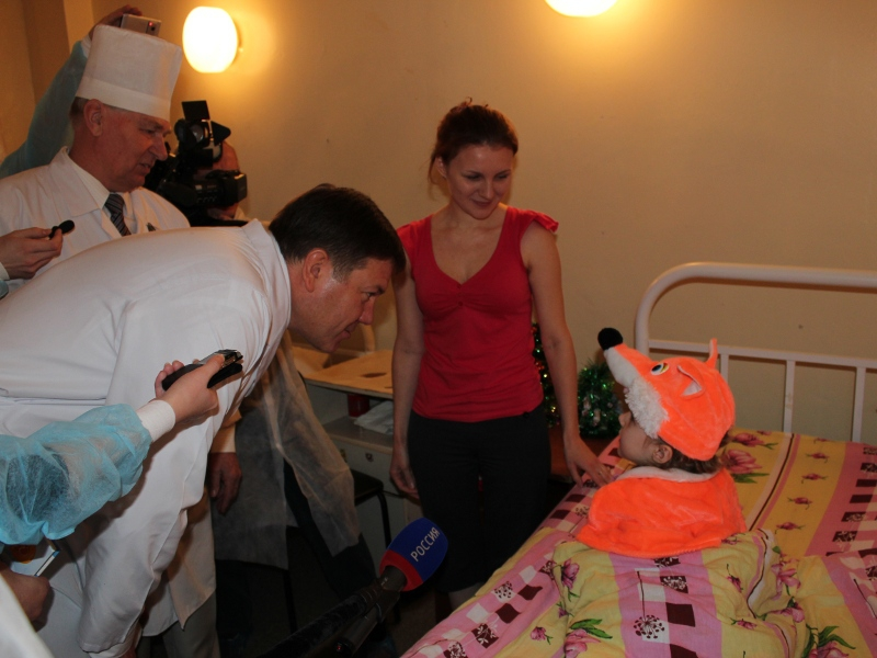 Губернатор Вологодской области преподнес подарки детям, которые